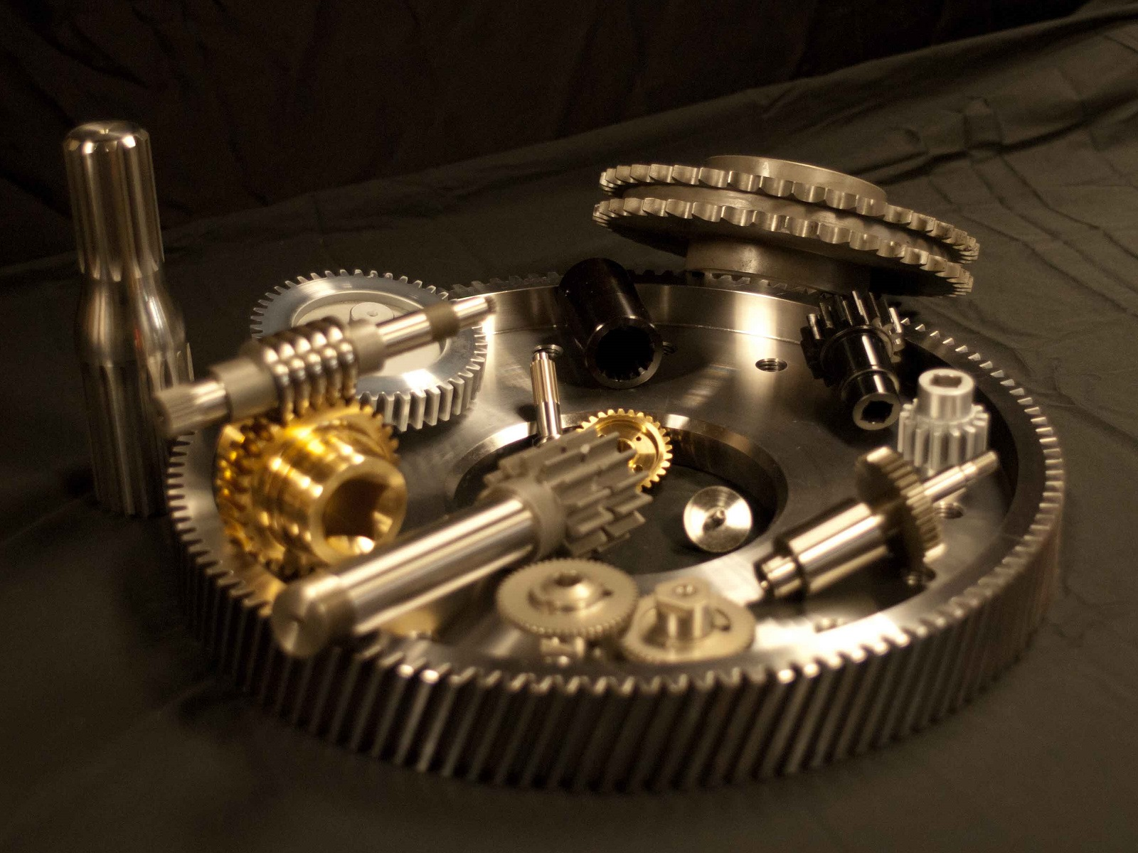 Industrial Gears and Worm Gears
